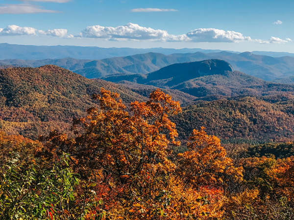 Blue Ridge Parkway Asheville North Carolina overlook with mountains in the fall