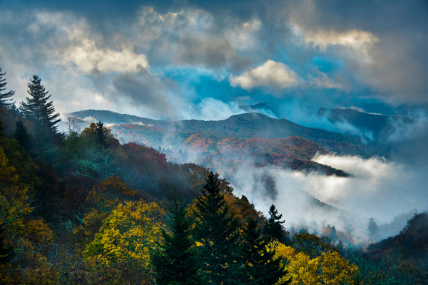 Great Smoky Mountains National Park with clouds and mist